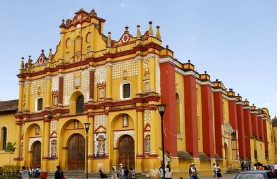 Santo Domingo Kathedrale in San Cristobal de las Casas  (Mexiko)